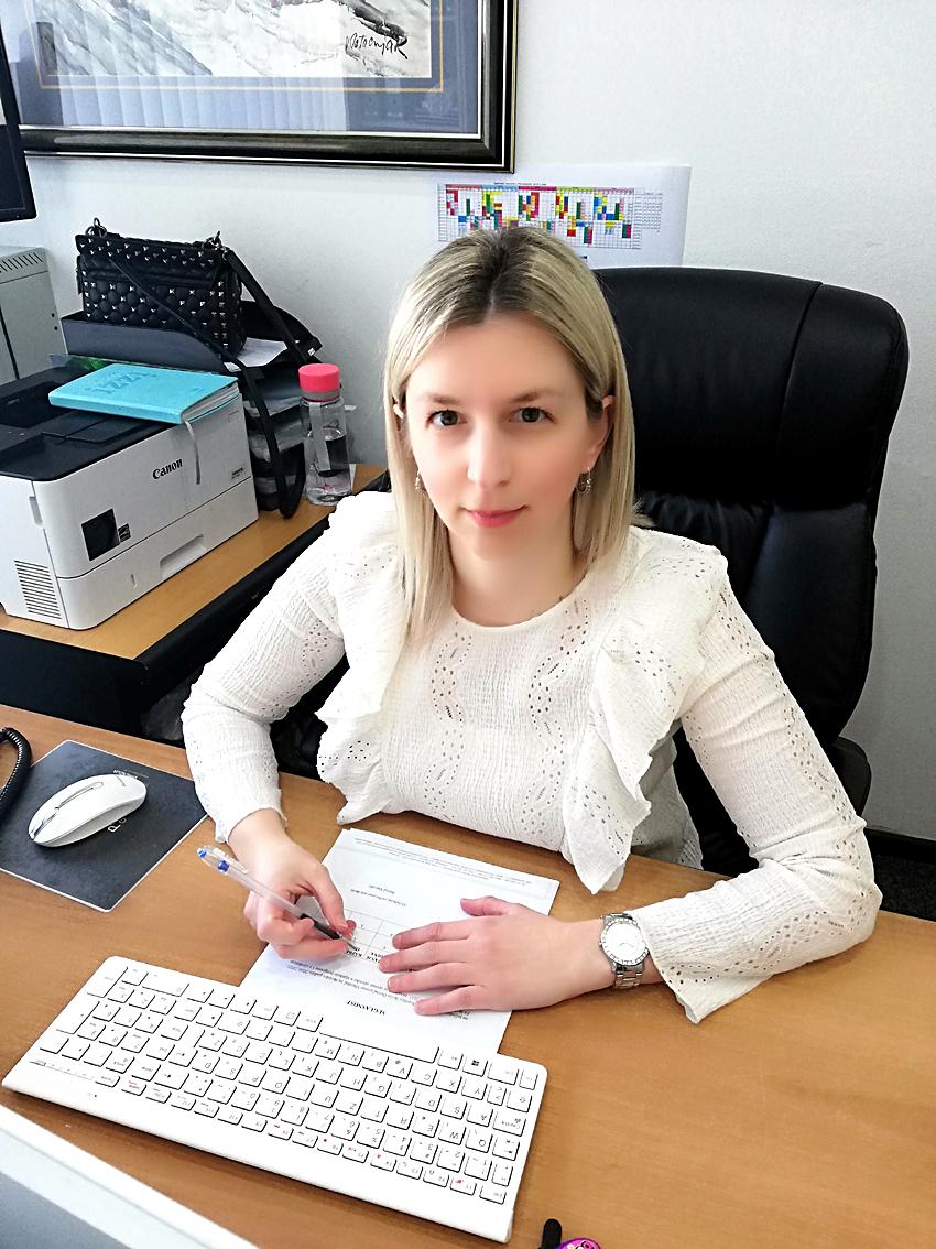 Ivana Lagator, mag.iur. - tajnica škole